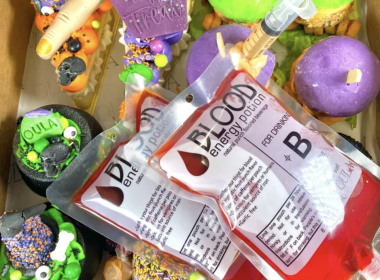 Oula Halloween box with cakes, sliders and fake blood